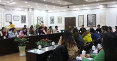 """山区英语教师到重庆南开中学""""看看"""", 向英国英语教学专家""""取经"""""""
